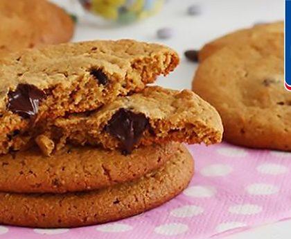 Galletas de avena con crema de cacahuete y trocitos de chocolate