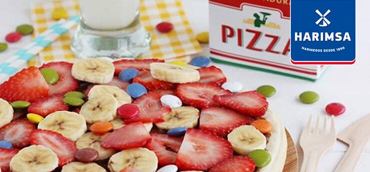 Pizza dulce con fruta