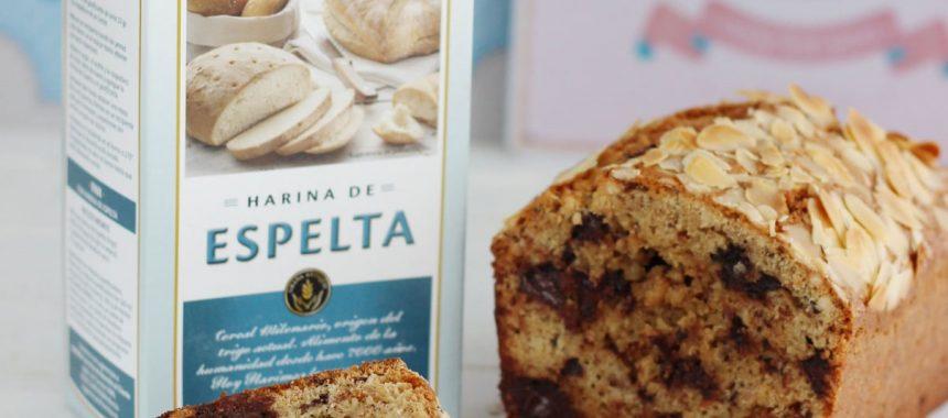 Plum-cake con chocolate, almendras, pasas y harina de espelta Harimsa